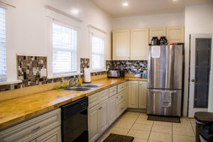 kitchen at melrose recovery group addiction treatment center los angeles